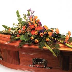 casket-spray-flowers